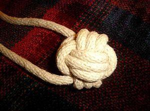 300px-knot_monkey_fist.jpg